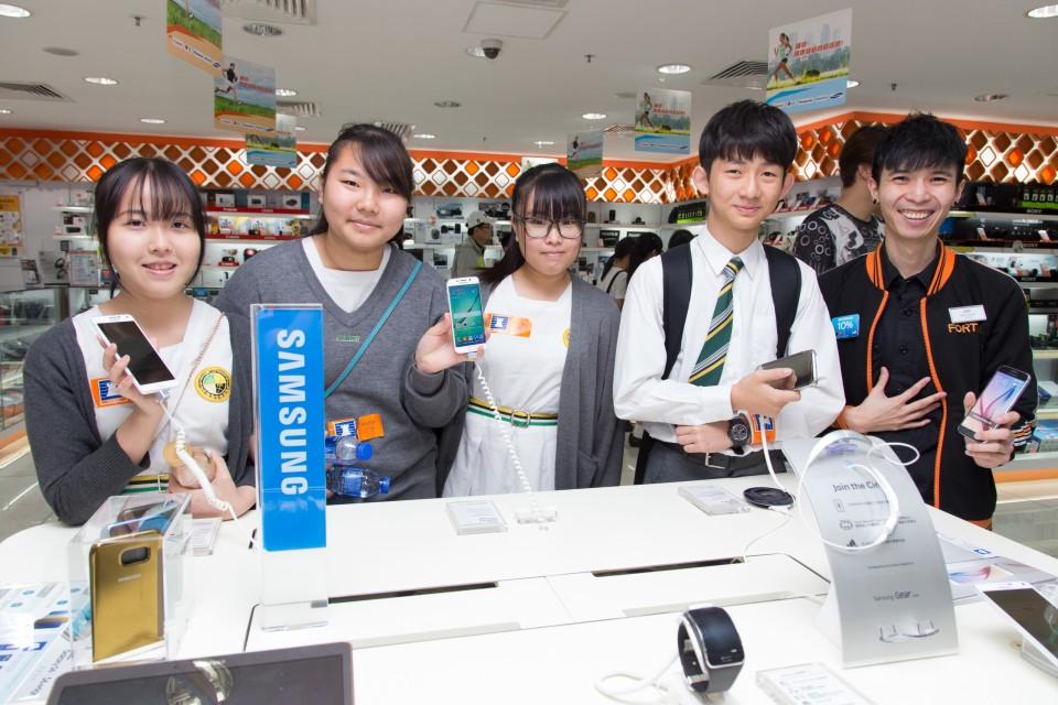 豐澤導師詳細講解店鋪內五花百門的電器產品