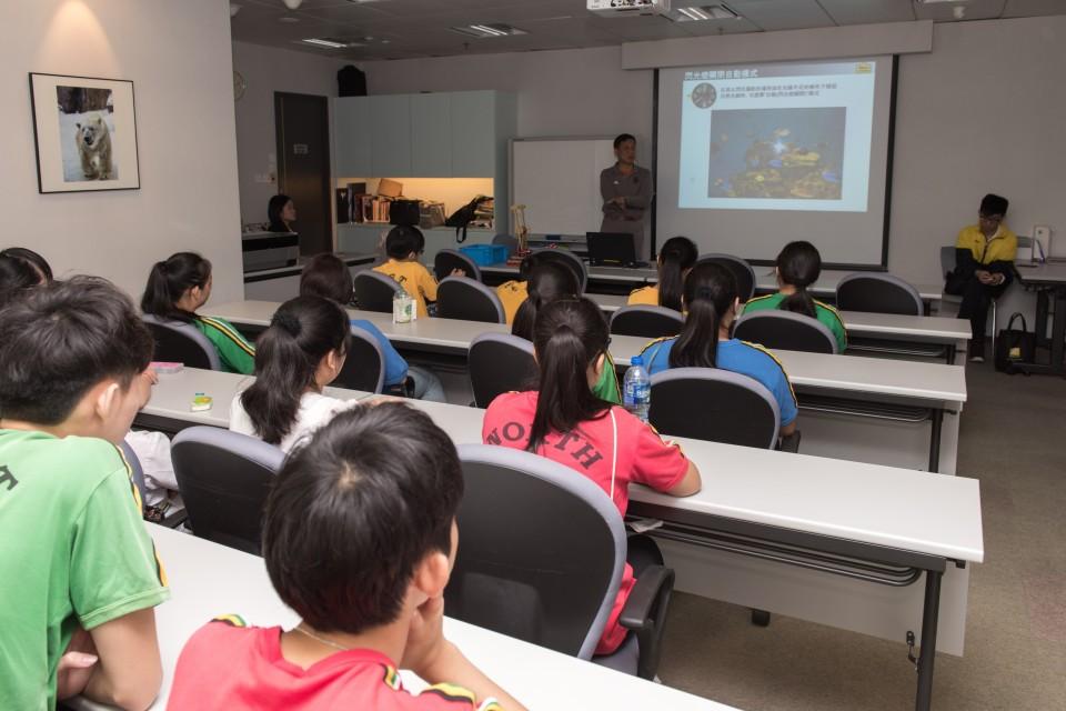 專業導師親自教授單鏡反光相機的操作知識及技巧