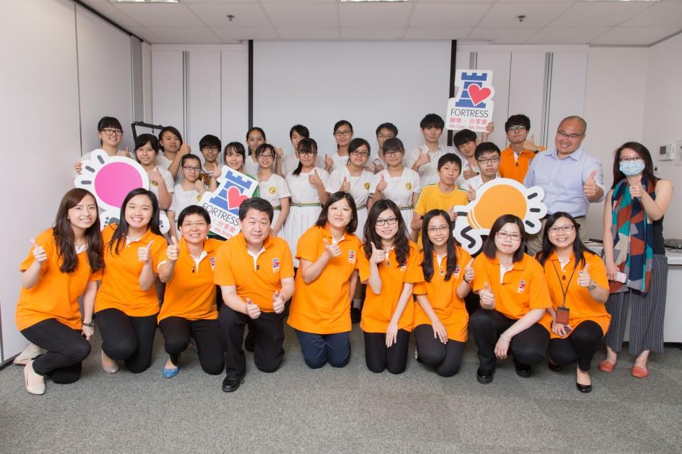 豐澤與參加面試工作坊的學生合照
